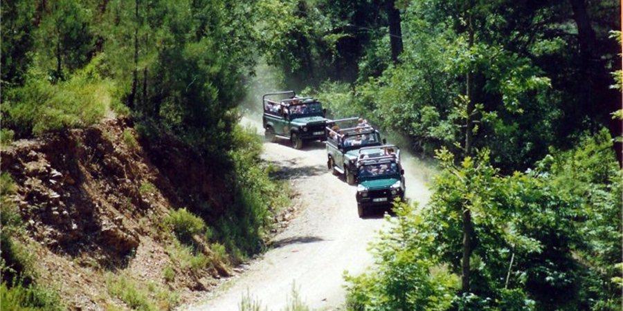 Jeep Safari Side
